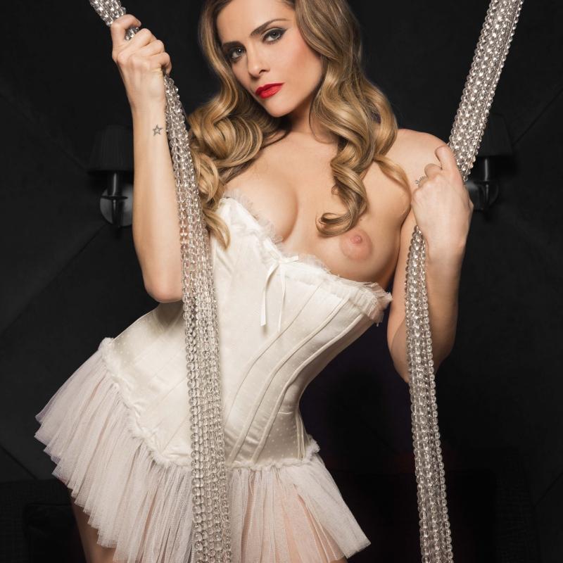 Clara morgane striptease